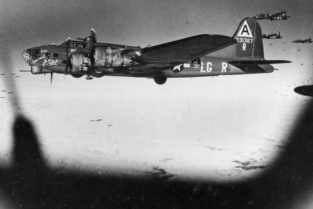 B-17G-42-31367-Chow-Hound-of-91st-BG-over-Berlin-8.3.1944